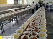طبخ و توزیع ۵ میلیون پرس غذای گرم در مناطق محروم کشور توسط ستاد اجرایی فرمان امام