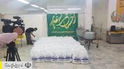 طبخ و توزیع غذای گرم در مناطق محروم استان زنجان توسط ستاد اجرایی فرمان امام
