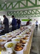 طبخ و توزیع غذای گرم در مناطق محروم استان کردستان توسط ستاد اجرایی فرمان امام