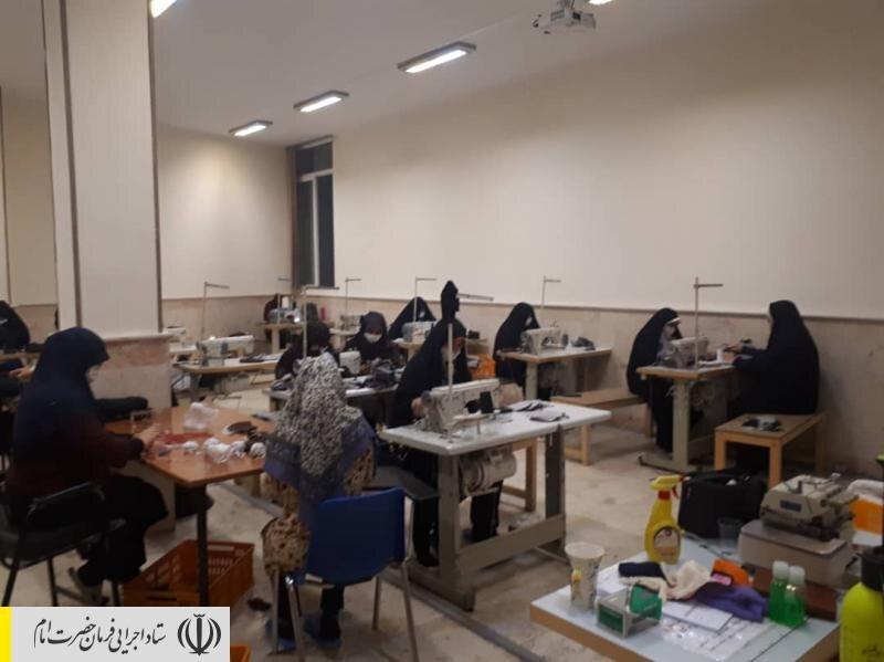 توزیع بستههای غذایی و اقلام بهداشتی ضدکرونایی در مناطق محروم کشور توسط قرارگاه جهادی ستاد اجرایی فرمان امام