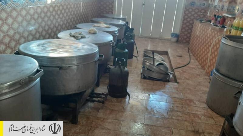 ارسال نخستین محموله کمکهای ستاد اجرایی فرمان امام به مناطق سیل زده جنوب کشور / راه اندازی آشپزخانه و طبخ و توزیع روزانه