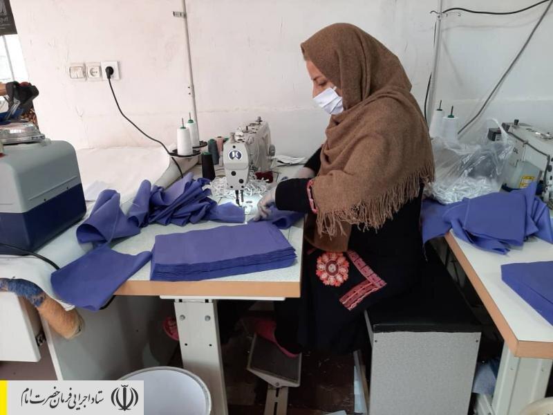تولید ماسک و گان توسط نیروهای جهادی ستاد اجرایی فرمان امام در مازندران