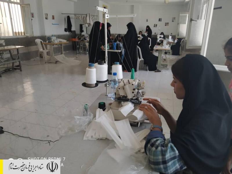 ارسال مواد اولیه تولید یک میلیون ماسک بهداشتی بین نیروهای جهادی ستاد اجرایی فرمان امام