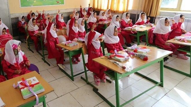 افتتاح ۱۱ مدرسهی ساخته شده توسط ستاد اجرایی فرمان حضرت امام (ره) در مناطق زلزلهزدهی کرمانشاه
