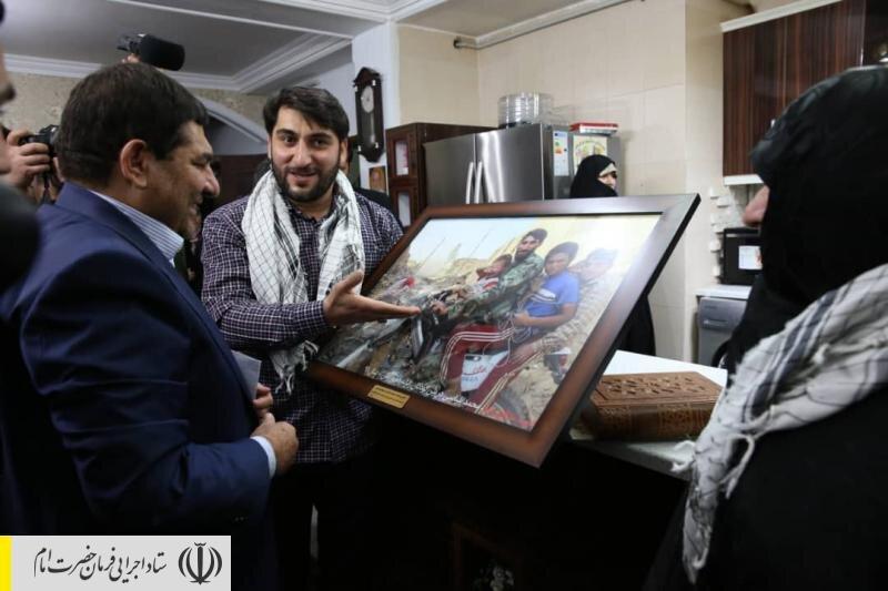 دیدار رئیس ستاد اجرایی فرمان امام با خانواده شهید بلباسی