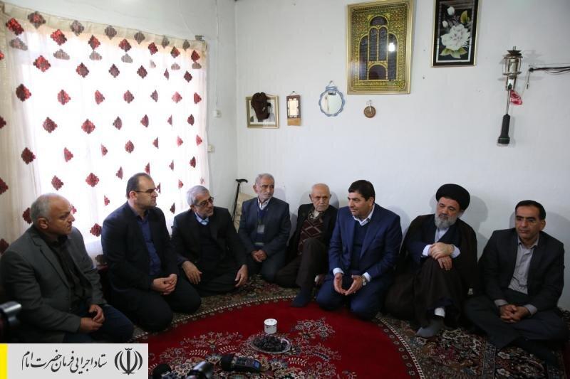 دیدار رئیس ستاد اجرایی فرمان حضرت امام (ره) با خانواده شهید غواص قاسم موجرلو شهرستان گلوگاه