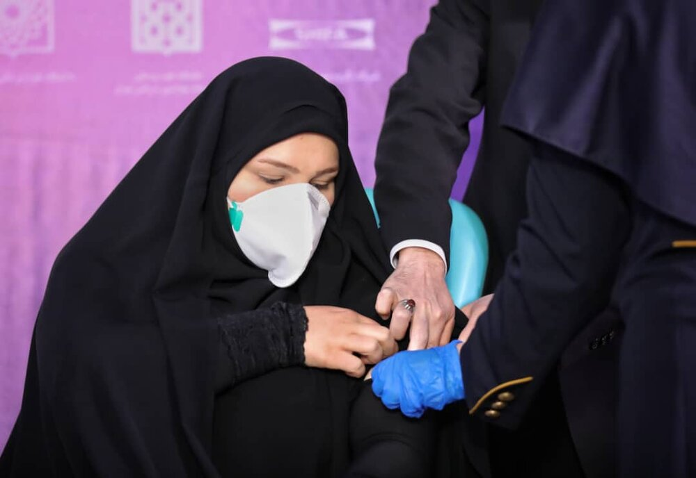 آغاز تست انسانی «اولین واکسن ایرانی کرونا» تولیدی ستاد اجرایی فرمان امام