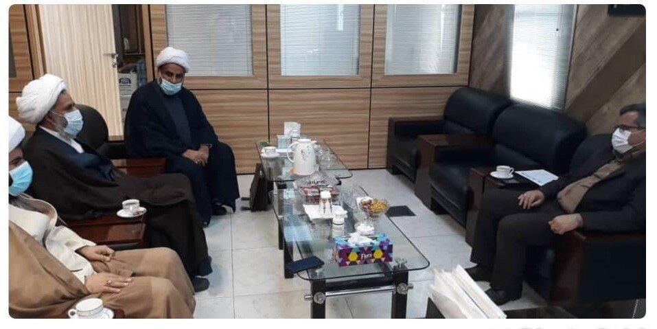 دیدار امام جمعه شهرستان بندرلنگه با مدیرکل ستاد اجرائی فرمان حضرت امام (ره) هرمزگان