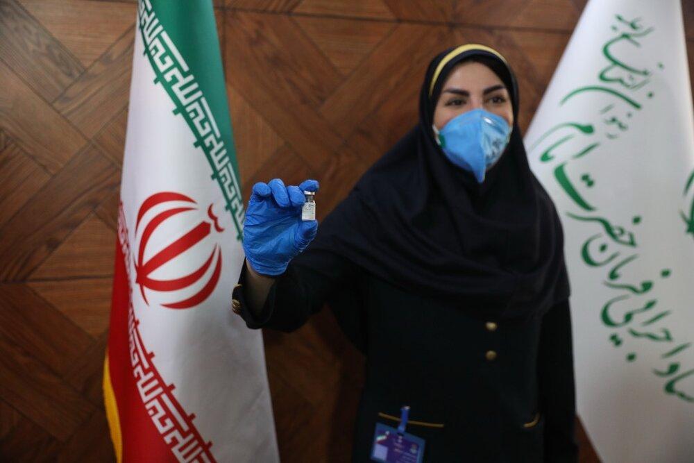 """گزارش خبر ۱۴ از تأیید امن بودن """"نخستین واکسن ایرانی کرونا"""" و آغاز تست انسانی کوو ایران برکتب بر روی سومین گروه از داوطلبان"""