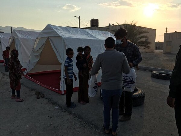 پخت و توزیع تعداد 9600 پرس غذا گرم از سوی گروه جهادی همکار ستاد / استان هرمزگان