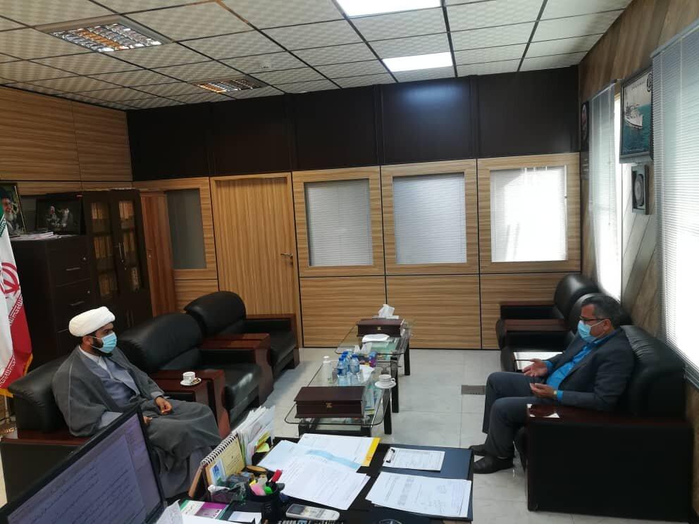 ارائه گزارش فعالیت های مطلوب ستاد اجرایی فرمان حضرت امام (ره) درشهرستان جاسک و روستاهای تابعه