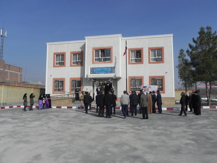 مدارس برکت بناب 99