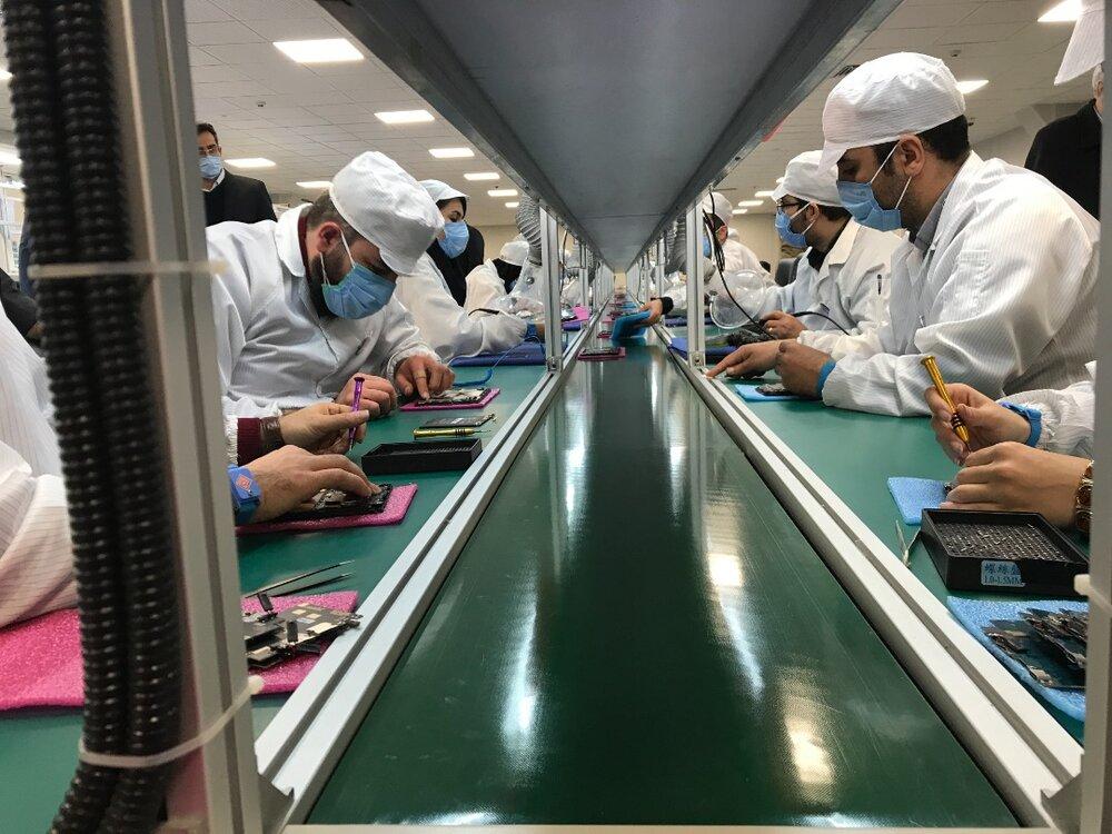 راهاندازی کارخانه تولید تبلت ایرانی در مراغه توسط ستاد اجرایی فرمان امام با ظرفیت تولید ۳۰۰ هزار تبلت در سال