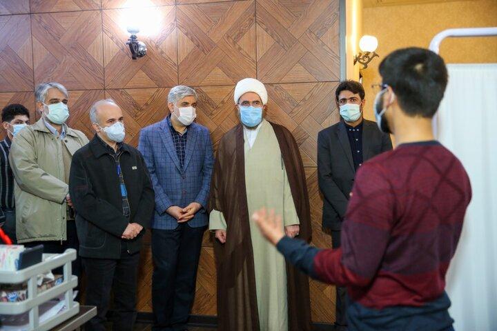 بازدید حجت الاسلام حاج علی اکبری از محل کارآزمایی بالینی واکسن کووایران برکت