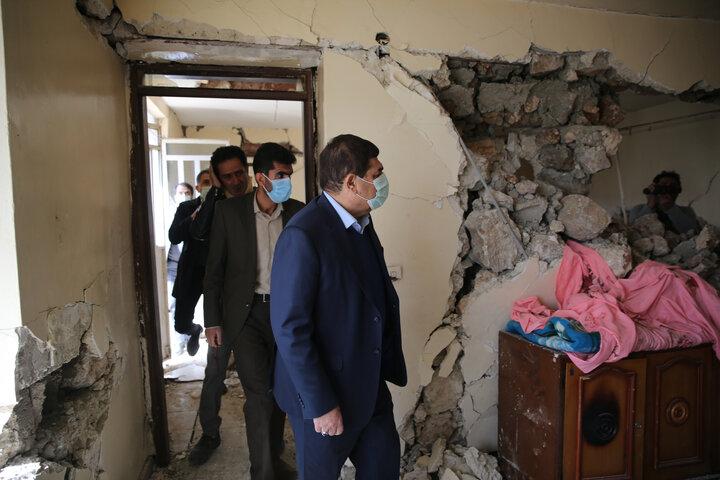 بازدید دکتر مخبر از مناطق زلزله زده شهر سی سخت