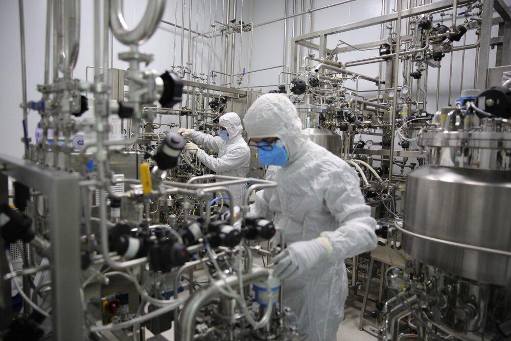افتتاح بزرگترین کارخانه تولید واکسن کرونا در منطقه و آغاز فاز نهایی تست انسانی کوو ایران برکت توسط ستاد اجرایی فرمان امام