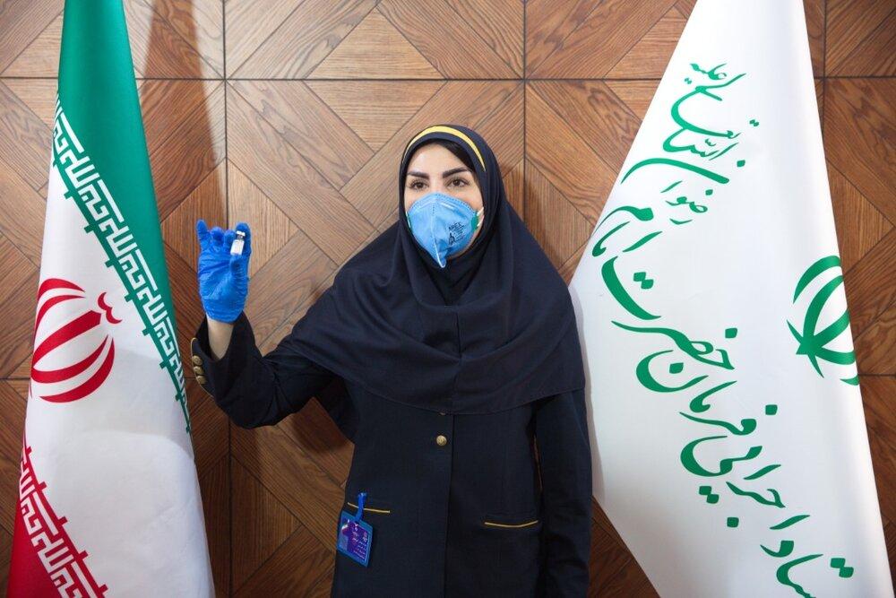 بازتاب آغاز ثبت نام از داوطلبان برای فازسوم واکسن کوو ایران برکت، در بخش ۱۳ شبکه خبر