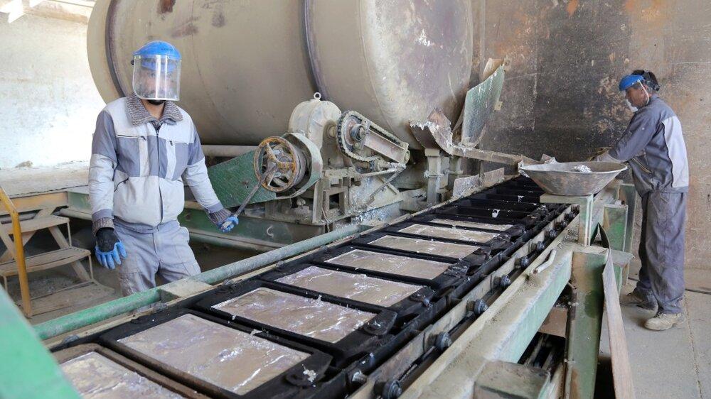 ایجاد اشتغال برای ۴۵۰ نفر و صادرات ۲ میلیون دلاری با احیای یک کارخانه تعطیل شده درآشتیان توسط ستاد اجرایی فرمان امام