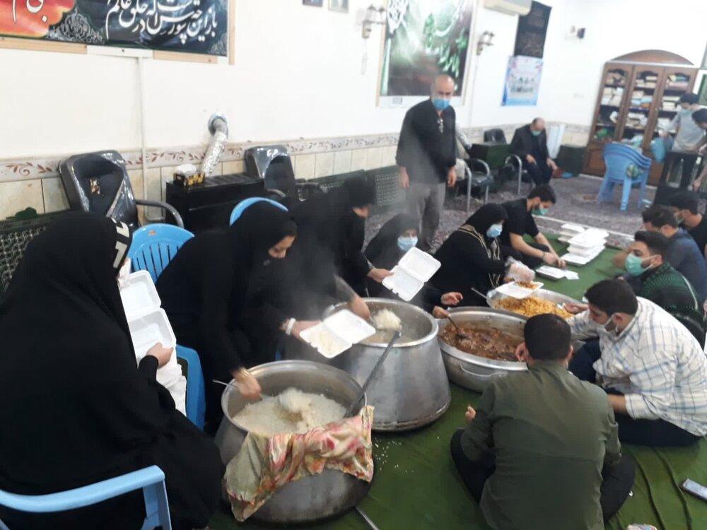 طبخ و توزیع بیش از 3000 پرس غذای گرم در شهرستان کردکوی