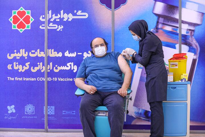 علی محمد مودب (شاعر) در تزریق واکسن کوو ایران برکت ، فاز 3 مطالعات بالینی