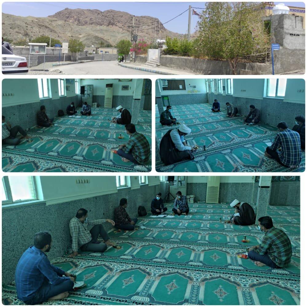 جلسه کارگروه توسعه اشتغال روستای بلبل آباد، بخش مرکزی، شهرستان بشاگرد استان هرمزگان