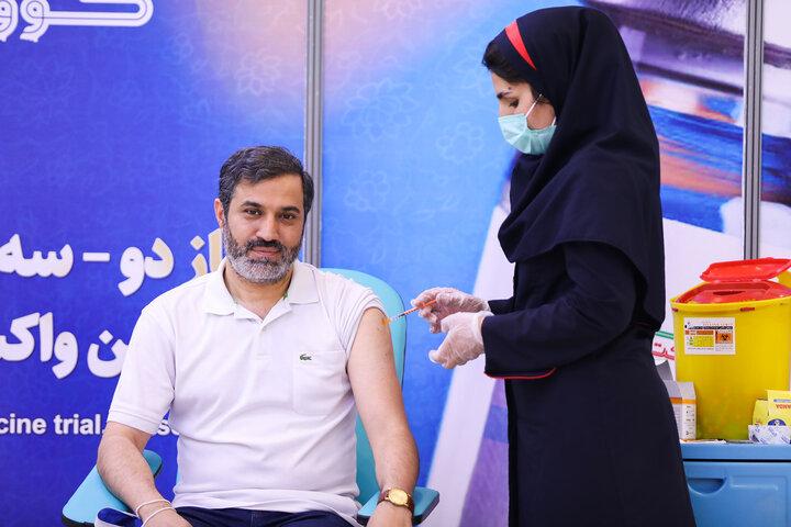 قاسم صرافان (شاعر) در تزریق واکسن کوو ایران برکت ، فاز 3 مطالعات بالینی