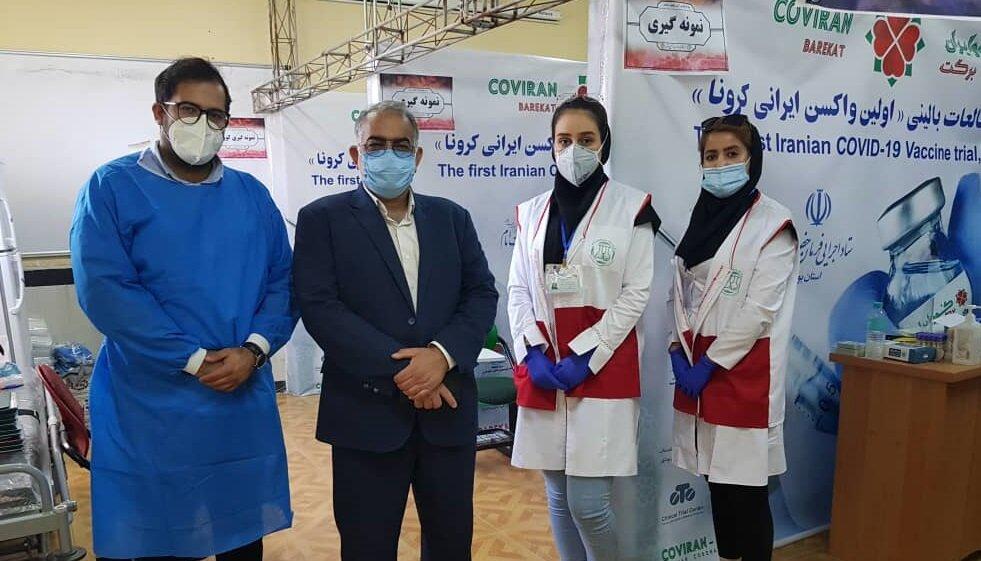 بازدید مدیرکل ستاد اجرایی فرمان حضرت امام (ره) استان بوشهر از محل تزریق واکسن