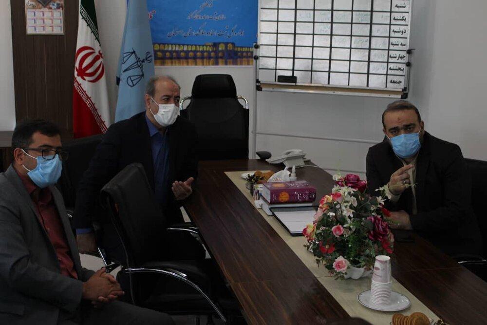 حضور مدیرکل ستاد اجرایی فرمان امام (ره) در اداره کل ثبت اسناد و املاک استان اصفهان
