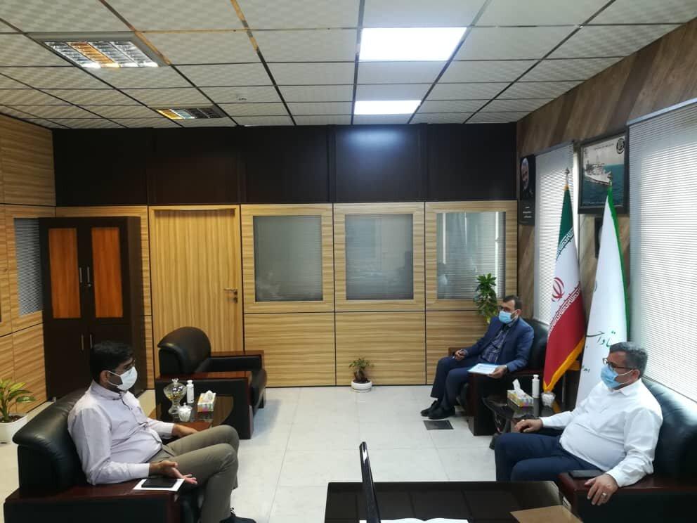 دیدار شهردار منطقه ۴ شهرستان بندرعباس با مدیرکل ستاد اجرایی فرمان حضرت امام (ره) استان هرمزگان