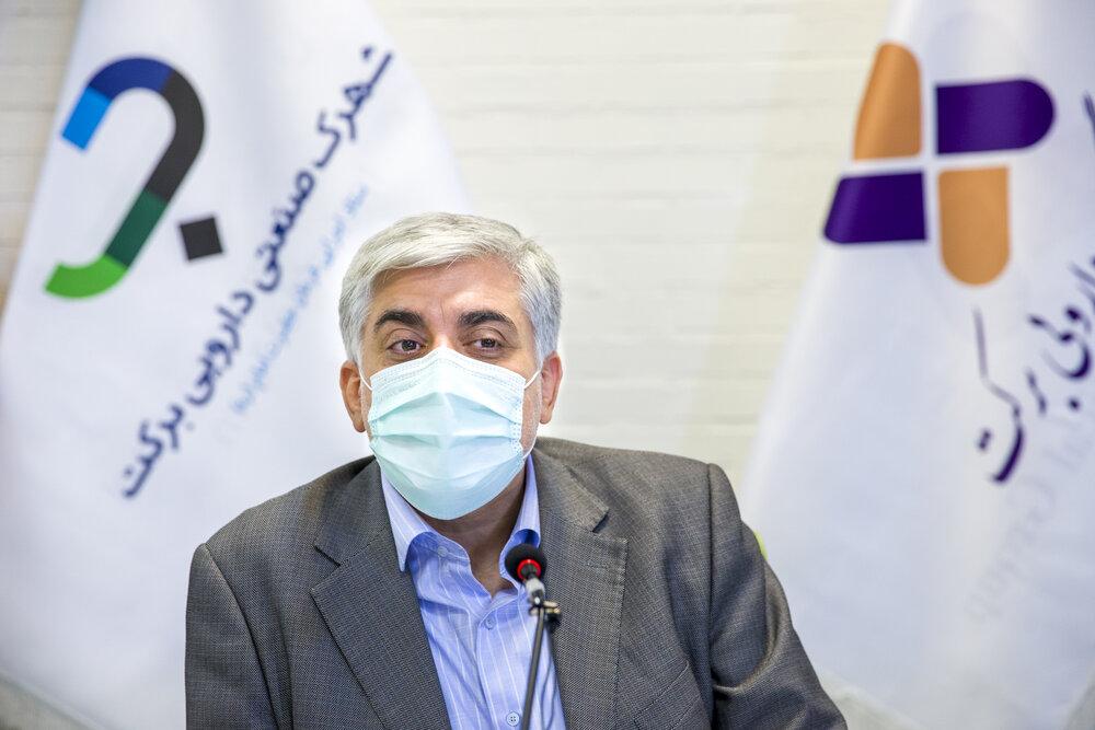 بازدید اصحاب رسانه از خط تولید واکسن کووایران برکت