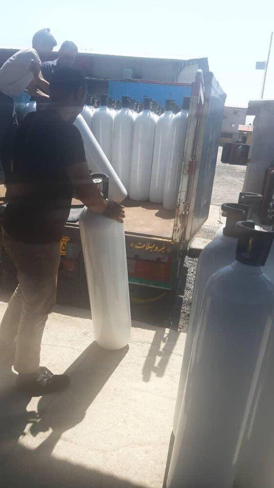 ارسال فوری ۵۰۰ کپسول ۴۰ لیتری اکسیژن به استان خوزستان توسط ستاد اجرایی فرمان امام